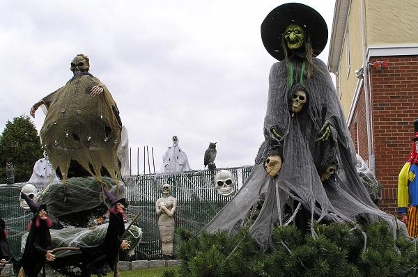 Halloween de miedo en Parques Temáticos